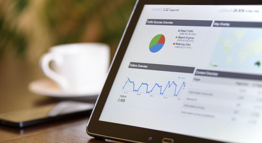 Pozycja w Google raz spada, raz rośnie – dlaczego tak się dzieje?